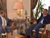 أبو الغيط يؤكد دعم الجامعة العربية للتوصل لحل سلمى للأزمة فى اليمن