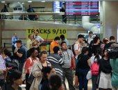 صور..شلل بين نيويورك وفيلادلفيا بسبب انقطاع الكهرباء عن قطارات الركاب