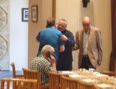 المعلم وغريب وأبو جريشة وحازم إمام أول الحضور فى إفطار رئيس الكاف