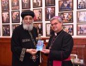 البابا تواضروس يستقبل أسقفا من الكنيسة الكاثوليكية بألمانيا وسفير العراق بالقاهرة