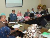 رئيس جامعة أسيوط: الاستفادة من خبرات علماء الطب لإثراء الحركة العلمية والبحثية