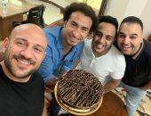 بعد احتفاله بعيد ميلاده.. أحمد مكى لـ على ربيع: أنا مش فاكر ميلادى أصلا