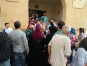 صور.. بدء تسكين مشروع روضة السيدة بالقاهرة و24 أسرة يتسلمون وحداتهم