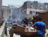 الحماية المدنية تسيطر على حريق ضخم داخل أحد المطاعم بأسيوط.. صور