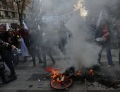 آلاف المعلمين يتظاهرون للمطالبة بتحسين أوضاعهم الاقتصادية فى تشيلى