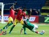 """شاهد.. أول ركلة جزاء في بطولة كأس الأمم الأفريقية بصافرة """"مصرية"""""""