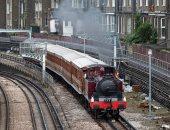سفر عبر الزمن.. تشغيل قطار بالبخار يعود تاريخه لأكثر من 100 عام