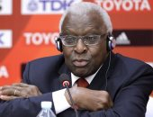 فرنسا تحاكم دياك الرئيس السابق للاتحاد الدولي لألعاب القوى