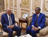 صور.. رئيس النواب يستقبل السفير الجيبوتى بمقر البرلمان