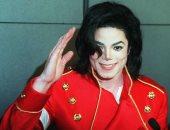 عشاق مايكل جاكسون يرفعون دعوى لتبرئته من جرائم الانتهاكات الجنسية
