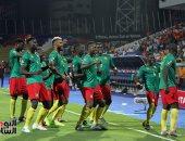 """الكاميرون ضد غانا.. """"رقصة الأسود"""" تخطف الأنظار فى الإسماعيلية.. فيديو"""