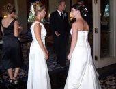 """أسوأ زفاف.. ماذا لو ارتدت حماتك فستان عروسة فى ليلة فرحك؟.. كاتبة روايات تنشر صورة زفافها.. وتؤكد: أردت أن أصرخ وحماتى لديها عادات سيئة.. والجمهور: """"مين العروسة؟"""" وفتاة: لو حدث فى زفافى فلابد أن يموت شخص ما"""