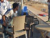 صور .. حملات إزالة وأعمال إنارة لراحة المصطافين بالمنتزة شرق الإسكندرية