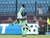 نيجيريا ضد غينيا.. مدافع النسور الخضراء أفضل لاعب فى المباراة