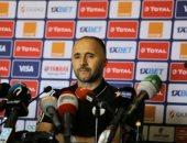 مدرب الجزائر: من الصعب الحديث عن كرة القدم حالياً