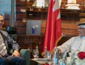 ولى عهد البحرين يؤكد تعزيز التعاون المشترك بين المملكة والولايات المتحدة