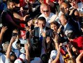 صور.. عمدة اسطنبول الجديد يحتفل مع الآلاف من أنصاره بتولى مهام منصبه رسميا