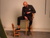 """أحمد صلاح حسنى يحتفل بنجاح """"الممر وحكايتى"""" بجلسة تصوير جديدة"""