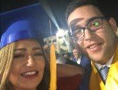 ليلى علوى تحتفل بتخرج ابنها خالد.. اعرف ماذا قالت؟