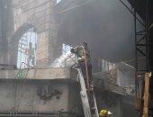 صور.. شهود عيان: تسرب غاز من إسطوانة بوتاجاز وراء حريق سوق العتبة