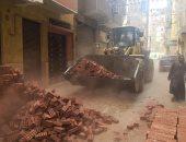 صور.. حملات لرفع إشغالات المحلات التجارية وإيقاف بناء مخالف بسوهاج