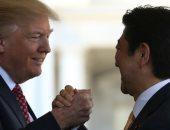 فيديو.. موقف محرج لرئيس وزراء اليابان مع ترامب قبل قمة العشرين