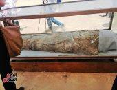 """شاهد.. """"كارتوناج"""" أثرى استخدم فى لف مومياء منذ 3 آلاف سنة لحمايتها بالفيوم"""