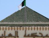 محكمة جزائرية تحقق مع 25 شخصية نافذة فى قضايا فساد