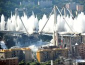 """فيديو.. لحظة تفجير السلطات الإيطالية لجسر """"موراندى"""" فى جنوى"""