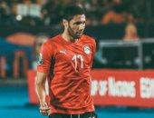 محمد النني على دكة بدلاء المنتخب أمام جزر القمر