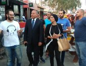"""نائب محافظ القاهرة يتفقد مشروع """"شارع مصر"""" بالنزهة ويلتقى الشباب"""