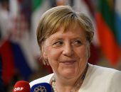 ميركل تتوقع محادثات صعبة لاختيار رئيس المفوضية الأوروبية الجديد