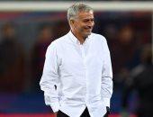 فقد الاستمتاع بكرة القدم.. شاهد بكاء مورينيو بسبب البطالة