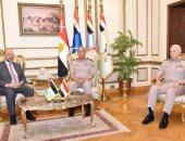 وزير الدفاع يبحث مع نظيره الأردنى ورئيس وزراء المملكة خطط التعاون المشترك
