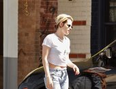 بالصور..كريستين ستيوارت فى شوارع لوس أنجلوس بـ لوك فيلمها الجديد