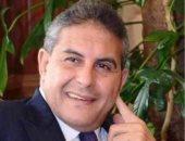 هل تعرض طاهر أبو زيد للظلم قبل مونديال 90؟.. أيمن يونس يجيب