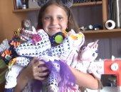 فيديو.. طفلة تصنع وتبيع الدمى لتأمين علاج زميلها من السرطان