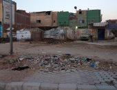 قارئ يشكو من انتشار الباعة الجائلين والقمامة بمنطقة أم بيومى بشبرا الخيمة