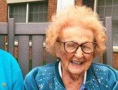 """نظرة الحب الأولى فى """"دار مسنين"""".. أمريكيان يتزوجان بعد تجاوزهما 100 سنة"""