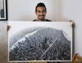 """بيرسم على ورق الشجر.. """"حسام"""" مهندس تفوق على نفسه فى الرسومات المعمارية"""