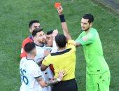 بطاقة ميسي الحمراء الأولى له فى مسيرته مع منتخب الأرجنتين.. فيديو