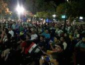 صور.. الآلاف أمام شاشات عرض مباراة المنتخب بنادى المنيا الرياضى