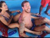 فيديو.. شوف راموس وزوجته فى الملاهى المائية بالغردقة