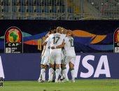 الجزائر تقهر غينيا بثلاثية رائعة وتتأهل لدور الثمانية من أمم أفريقيا.. فيديو