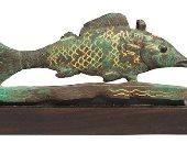 دار بونهامز تبيع سمكة مصرية قديمة مصممة من البرونز والذهب.. اعرف ثمنها