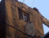 صور.. انهيار جزئى بعقار غرب الإسكندرية دون خسائر بالأرواح