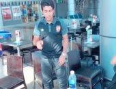 """صور.. أحمد حمودى يجتاز تحدى """"غطاء الزجاجة"""" بنجاح"""