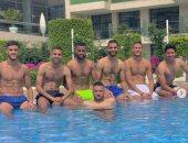 صور.. لاعبو الأهلى يستجمون فى حمام السباحة قبل استئناف التدريبات فى إسبانيا