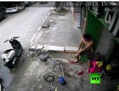 استمرت 20 ثانية.. شاب صينى يتعرض للصعق الكهربائى مدة قياسية.. فيديو
