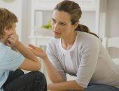 استماع الوالدين لمشاكل أبنائهم يساعدهم على مواجهة الصدمات
